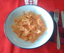 Farfalle alla crema di peperoni e gorgonzola
