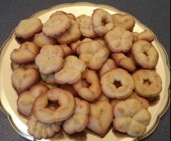 Biscottini alle mandorle con sparabiscotti