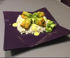 Fiori di zucca al salmone con salsa al curry - contest La magia del vapore