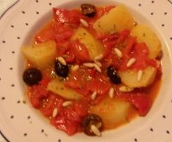 peperoni e patate con olive di Gaeta e pinoli