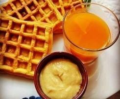 Waffel(o pancakes) alla Zucca con Curd alle Mele Speziata e Succo di Zucca e Mele