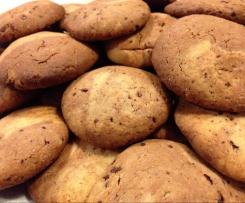 Biscotti con gocce di cioccolato senza latticini e senza uova (vegan)