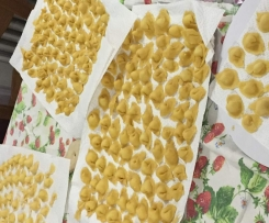Cappelletti romagnoli ( i caplet)