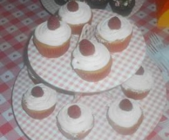 Cupcakes ai lamponi e cioccolato bianco