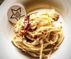 Spaghetti alla chitarra aglio e peperone crusco e guttiau