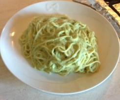 Spaghetti con crema di zucchine e tofu
