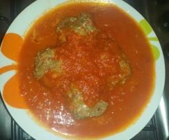 Polpette ai peperoni con sugo di verdure