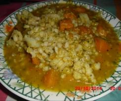 Zuppa autunnale con zucca orzo e cavoli