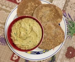 Pane integrale con crema al basilico