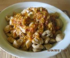 Gnocchi di fagioli con ragù di salsiccia e verza