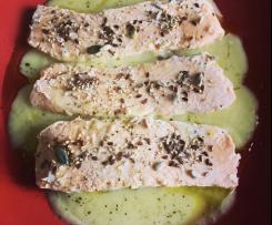"""Tranci di salmone su vellutata di verza """"contest ricette leggere""""."""