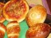 Rosticceria siciliana: panzerotti e rollò di wurstel