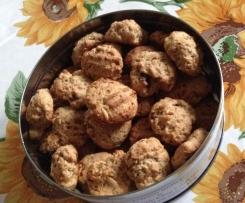 Biscotti senza uova e senza grassi con frutta secca