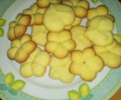 Biscottini profumati con sparabiscotti