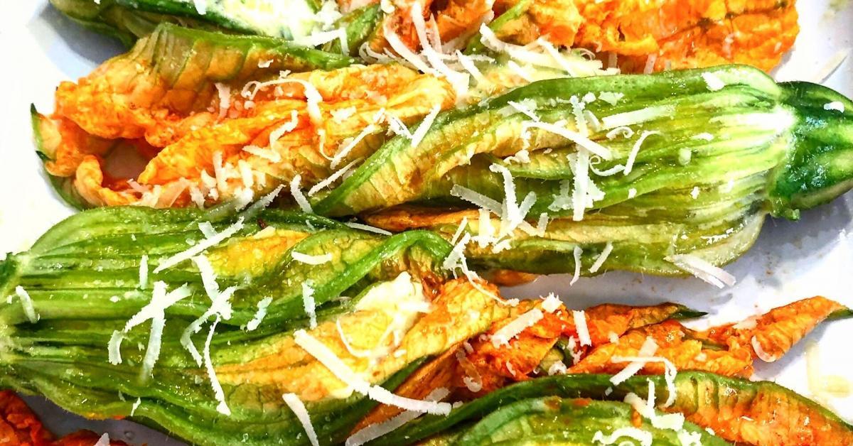 Fiori Zucchine Ricette.Fiori Di Zucca Ripieni Di Zucchine E Ricotta E Un Ricetta Creata