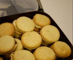 biscotti secchi ripieni