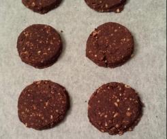 Biscotti al cacao con nocciole