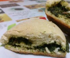 Rotolo di pane con spinaci e tonno