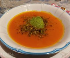 vellutata di zucca con quenelle di broccoletti e pistacchi