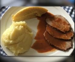 Brasato al vino con polenta e purè di patate
