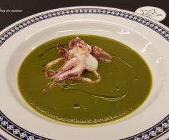 Crema di zucca gialla e spinaci con calamari a vapore
