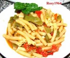 Sedanini rigati con taccole e pomodorini