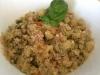 Insalata fredda di quinoa con zucchine, funghi, cotto e pomodorini pachino