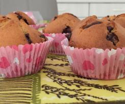 Muffin con dadini di cioccolato e cuore di nutella