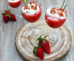 Salsa alle fragole con mousse di crescenza