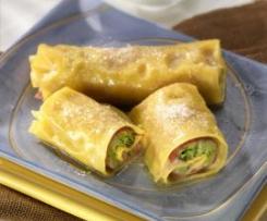 Rotoloni di pasta con broccoletti e prosciutto