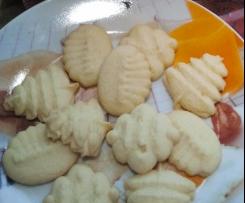 Biscotti pasticcini al limone con la sparabiscotti