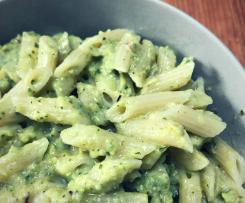 Pesto di zucchine, pistacchi e basilico - contest pesto e condimenti
