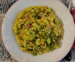 Risotto al curry con broccoletti e bacon