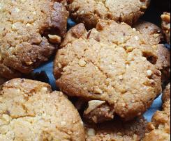 Biscotti alle nocciole senza uova e senza lattosio
