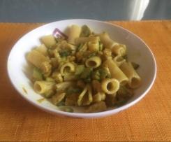 Rigatoni con pollo e verdure