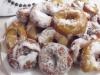 ciambelle fritte infarinate nello zucchero e cannella (CARNEVALE)