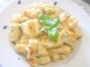 gnocchi di ricotta con  pesto a crudo e surimi
