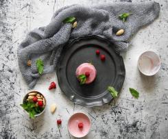 Budino vegan di fragole e mandorle