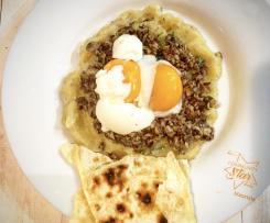 Uova barzotte con funghi e patate
