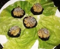 funghi  farciti con semi di papavero Finger food
