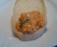 Crema vegana di peperoni e pomodori