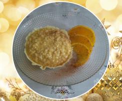 Risotto cremoso al profumo di arancia e cannella su cestino di Montasio - Natale