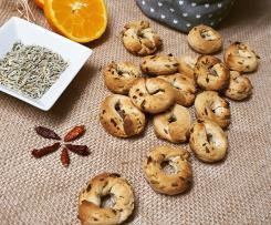 Taralli con semi di finocchio, scorza d'arancia e pepe