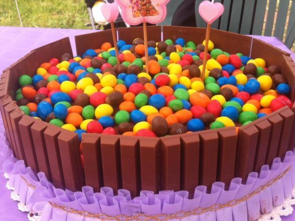 Torta Kit Kat Mms è Un Ricetta Creata Dallutente Darsimo