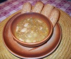 zuppa rustica con crostini