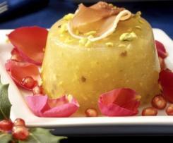 Mini aspic di melone con prosciutto, pistacchi e petali di rose