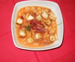 Pasta e Fagioli con crostini e pancetta