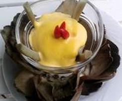 Petali di carciofo   con salsa  Reale