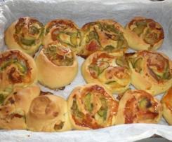 rose rustiche con zucchine e speck