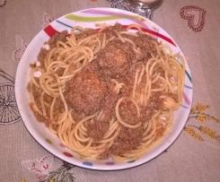 SPAGHETTOPAZZIA (spaghetti con ragù e polpettine)